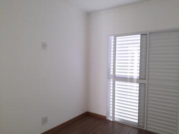 Alugar Apartamentos / Padrão em Poços de Caldas R$ 1.200,00 - Foto 8