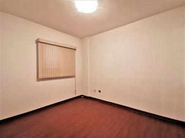 Alugar Apartamentos / Padrão em Poços de Caldas R$ 1.800,00 - Foto 11