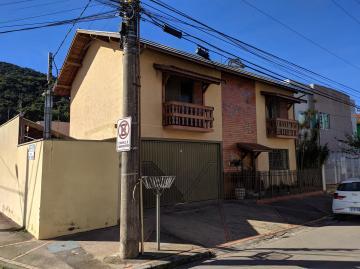 Comprar Casas / Padrão em Poços de Caldas R$ 800.000,00 - Foto 1