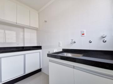 Alugar Apartamentos / Padrão em Poços de Caldas R$ 1.500,00 - Foto 15