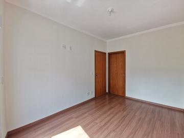 Alugar Apartamentos / Padrão em Poços de Caldas R$ 1.500,00 - Foto 5